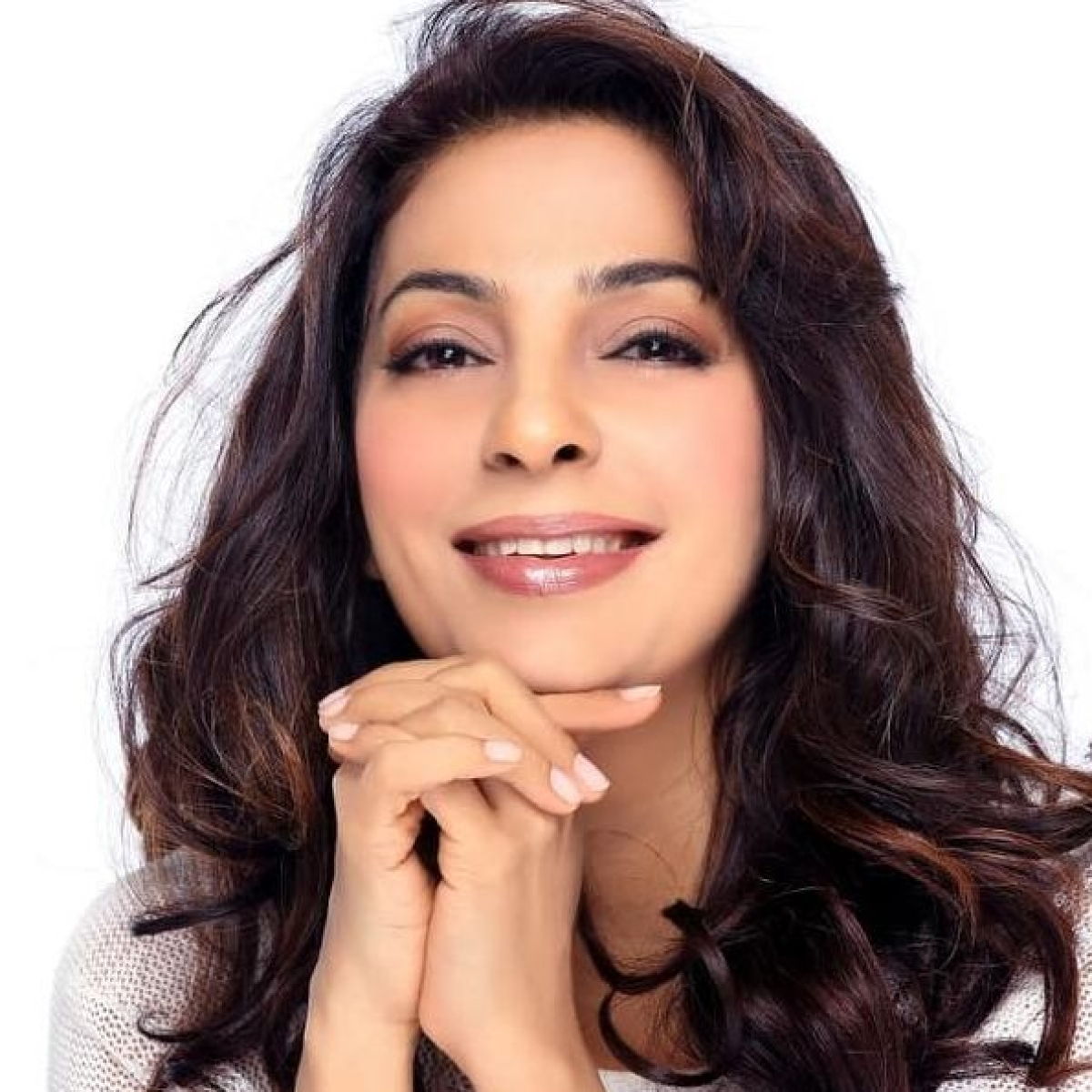 Juhi Chawla loses diamond earring at Mumbai airport, promises to reward one who finds it