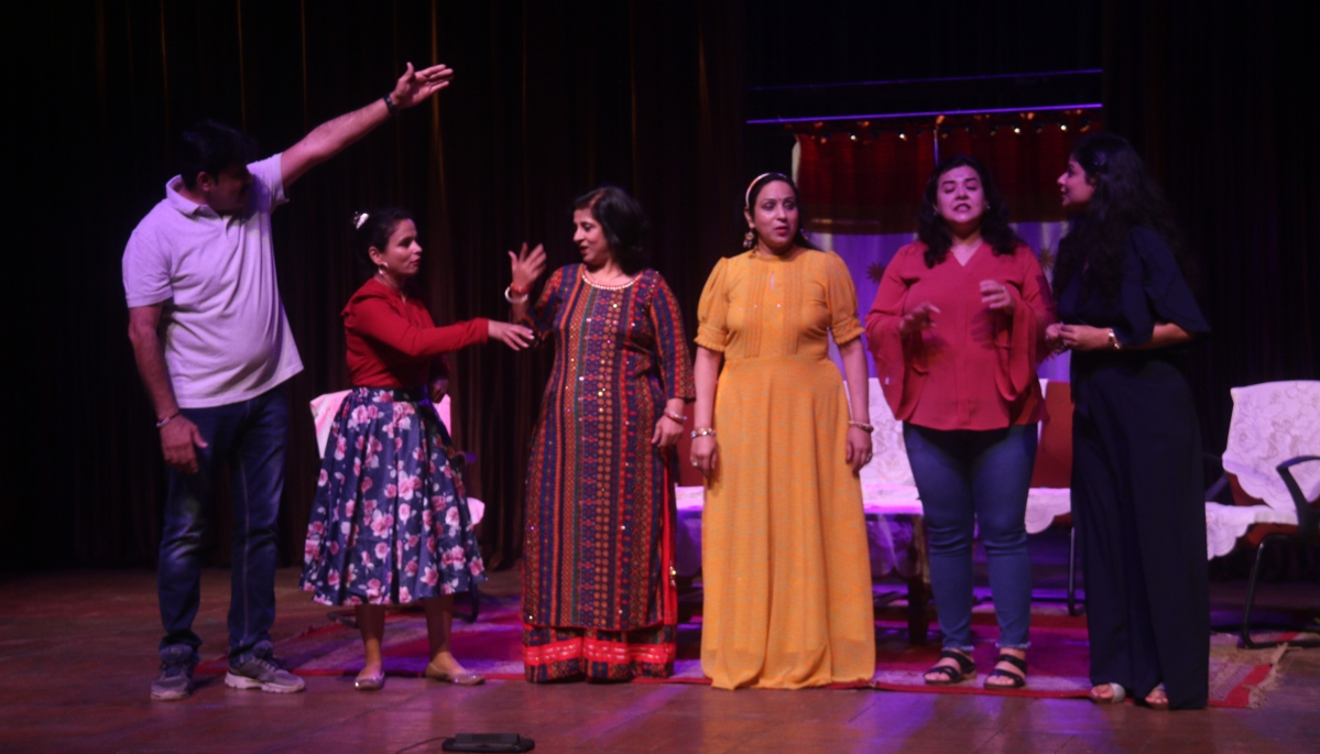 Bhopal: Sindhi play 'Zindagia Ja Rang' staged at 'Gamak-4' fest