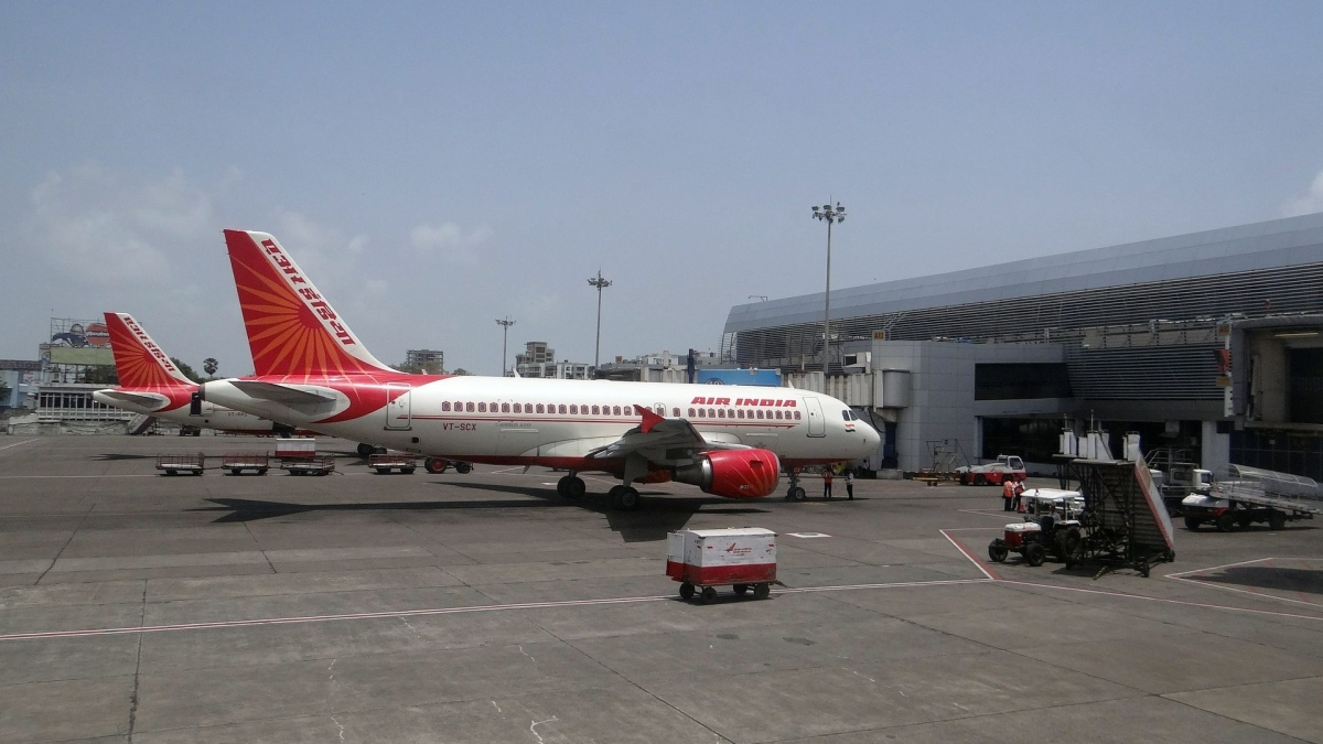 Mumbai: Woman slaps CISF personnel for not informing flight leaves from Terminal 1 and not 2
