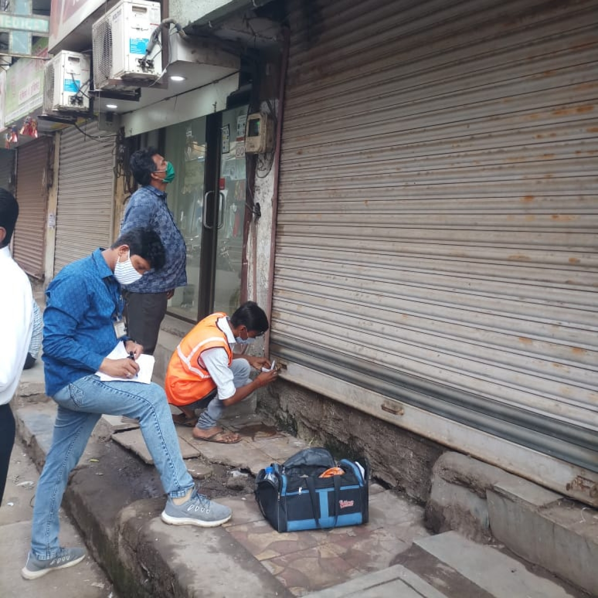 Thane Municipal Corporation seals shops, disconnects water supply of tax defaulters