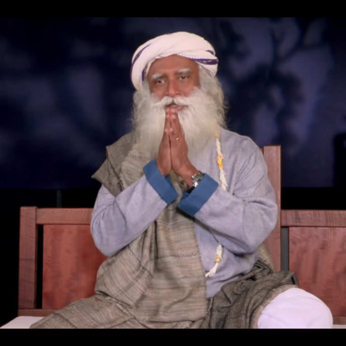 World Retail Employees Day 2020: Sadhguru shares message of appreciation for employees around the world