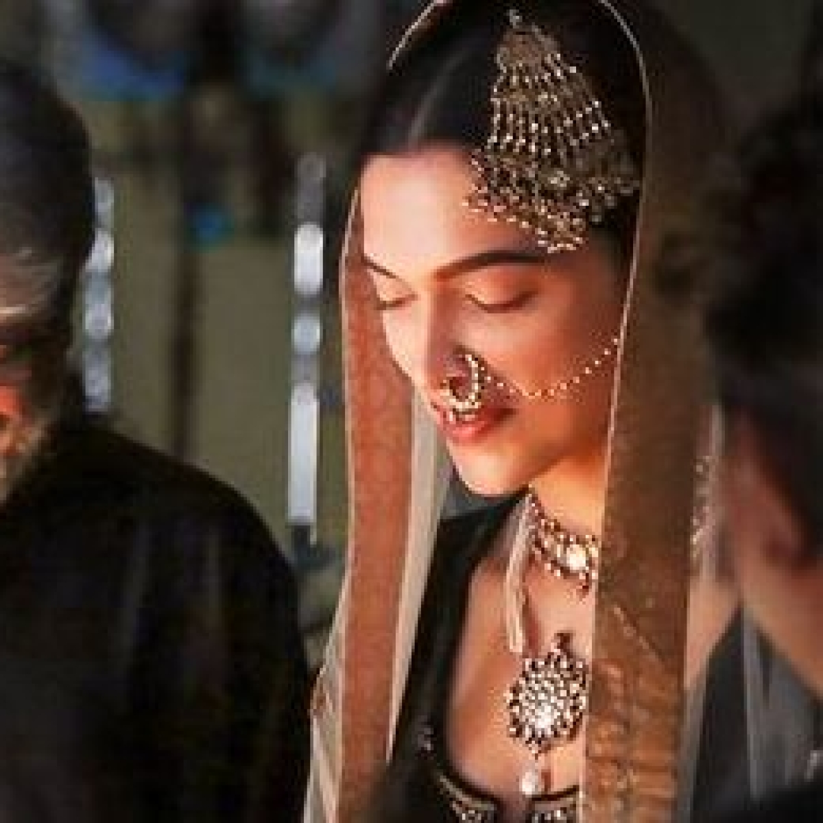5 years of 'Bajirao Mastani': Deepika Padukone shares unseen BTS photo with Sanjay Leela Bhansali