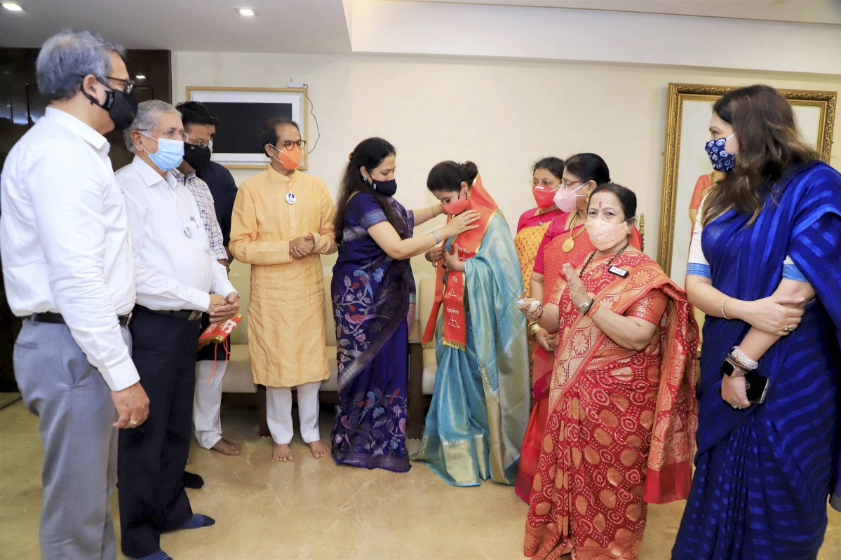 Urmila Matondkar like to head Shiv Sena's women wing ahead of BMC polls