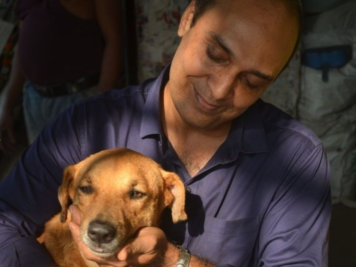 Angels of Mumbai: This 'messiah' at Masjid Bunder gives shelter to strays