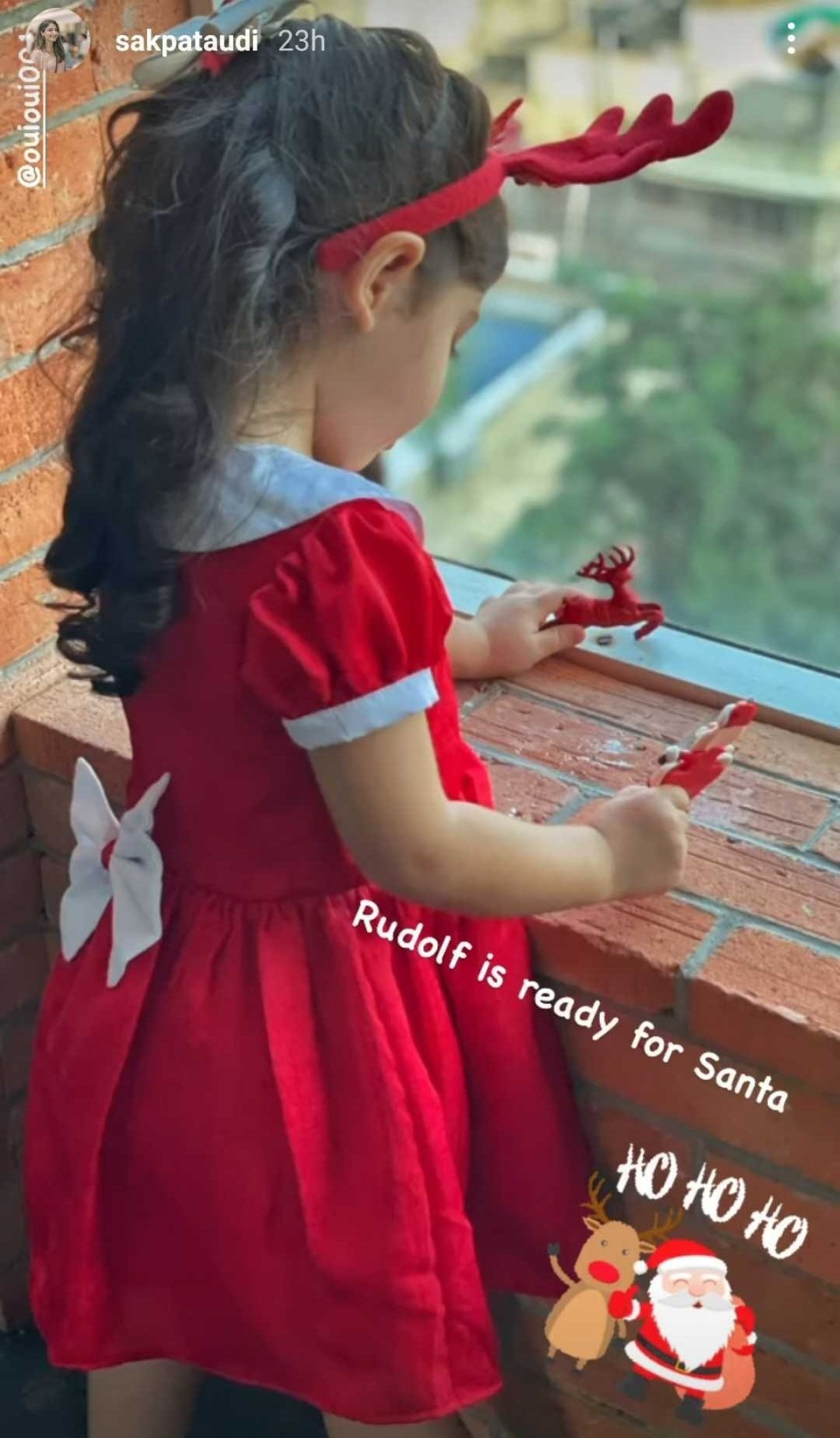 Soha Ali Khan, Karisma Kapoor, and other celebs gear up for Christmas 2020
