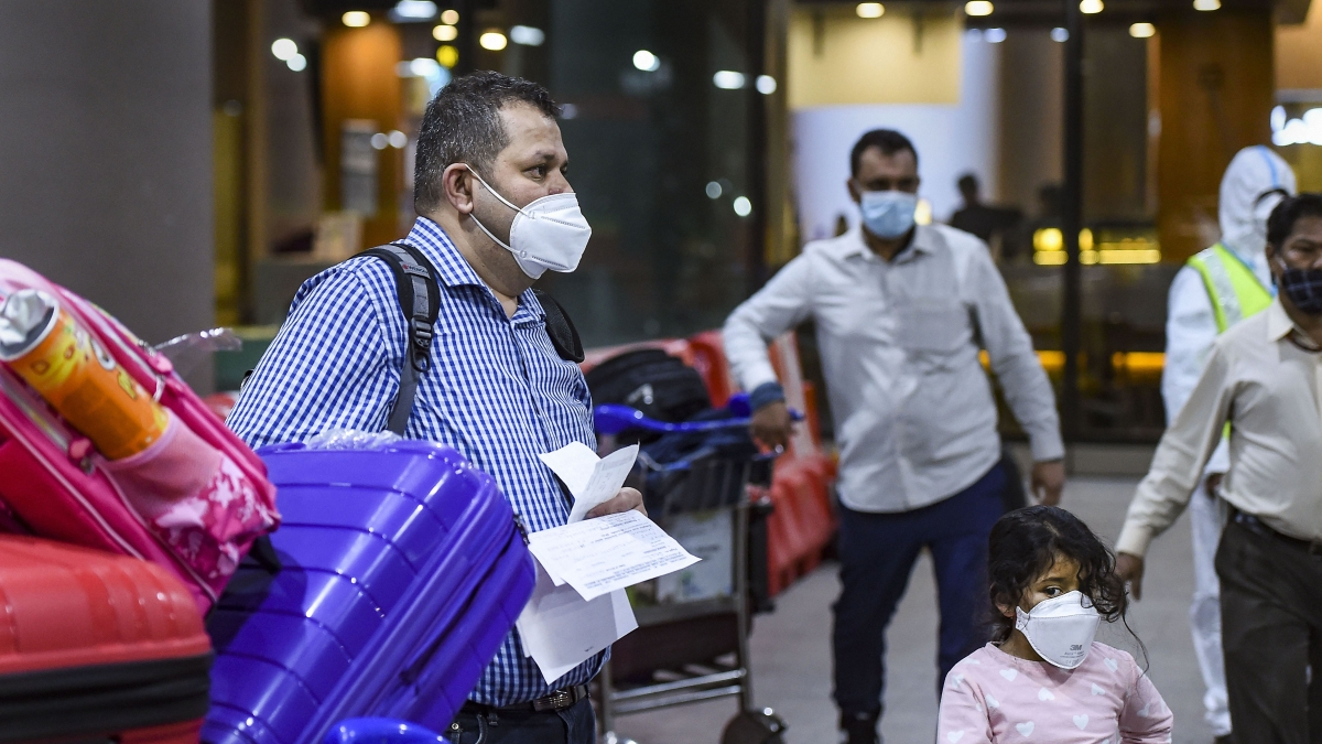 India reports first 6 cases of new COVID-19 strain after UK returnees test positive