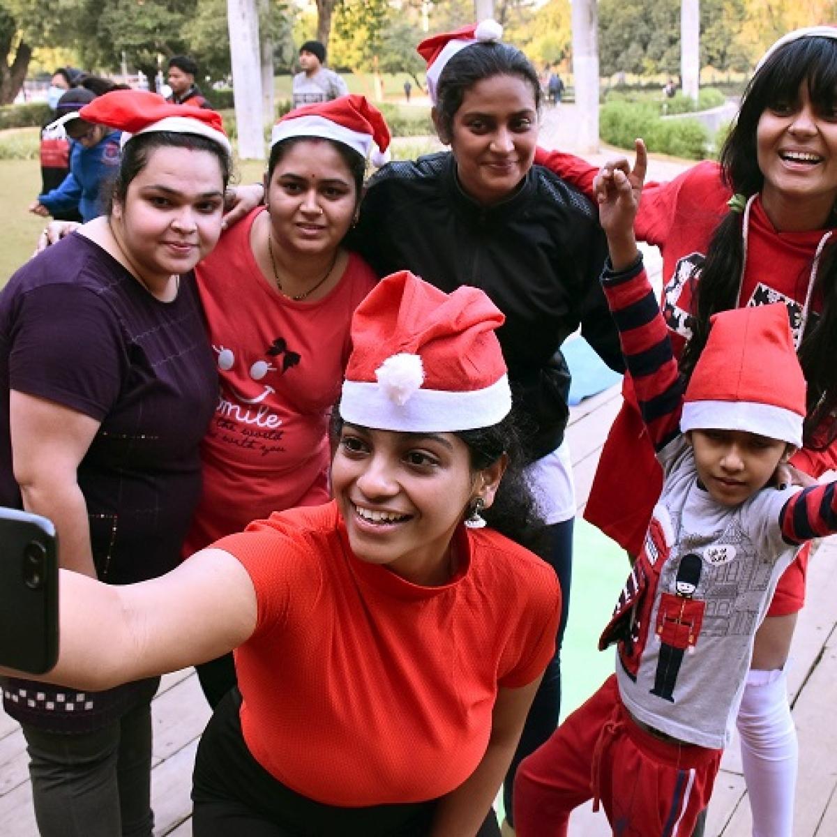 Christmas 2020: Spreading festive cheer amid coronavirus pandemic