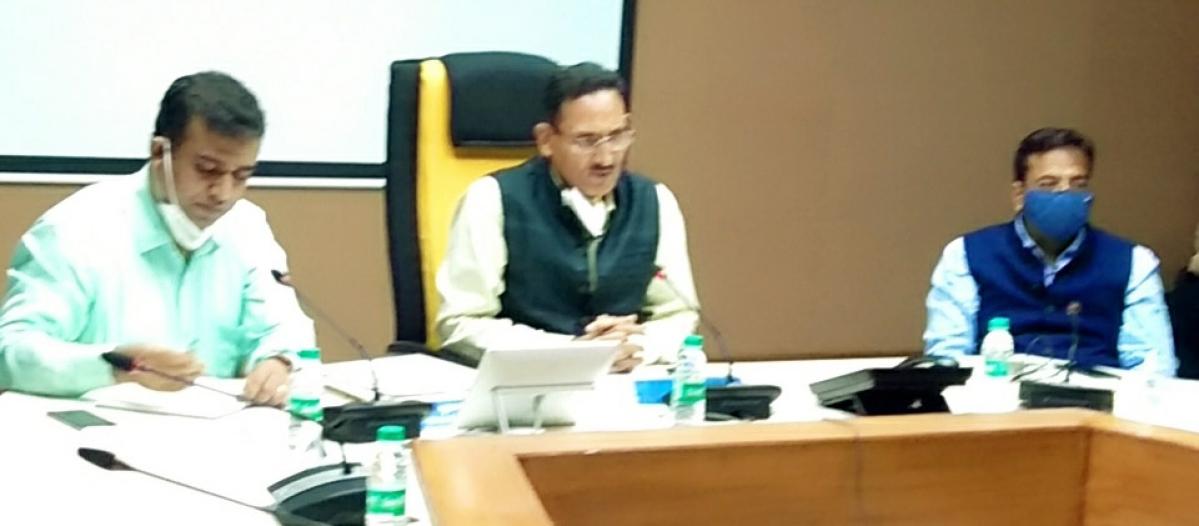 Sanjeev Mittal, General Manager, Central Railway inspects Miraj-Kurduwadi section