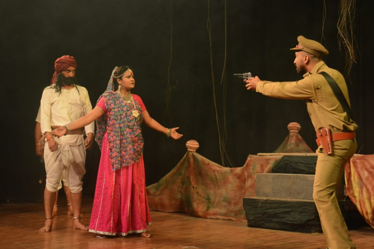 Bhopal: 'Jannayak Tantya Mama', story of Robin Hood of India staged at Saheed Bhavan