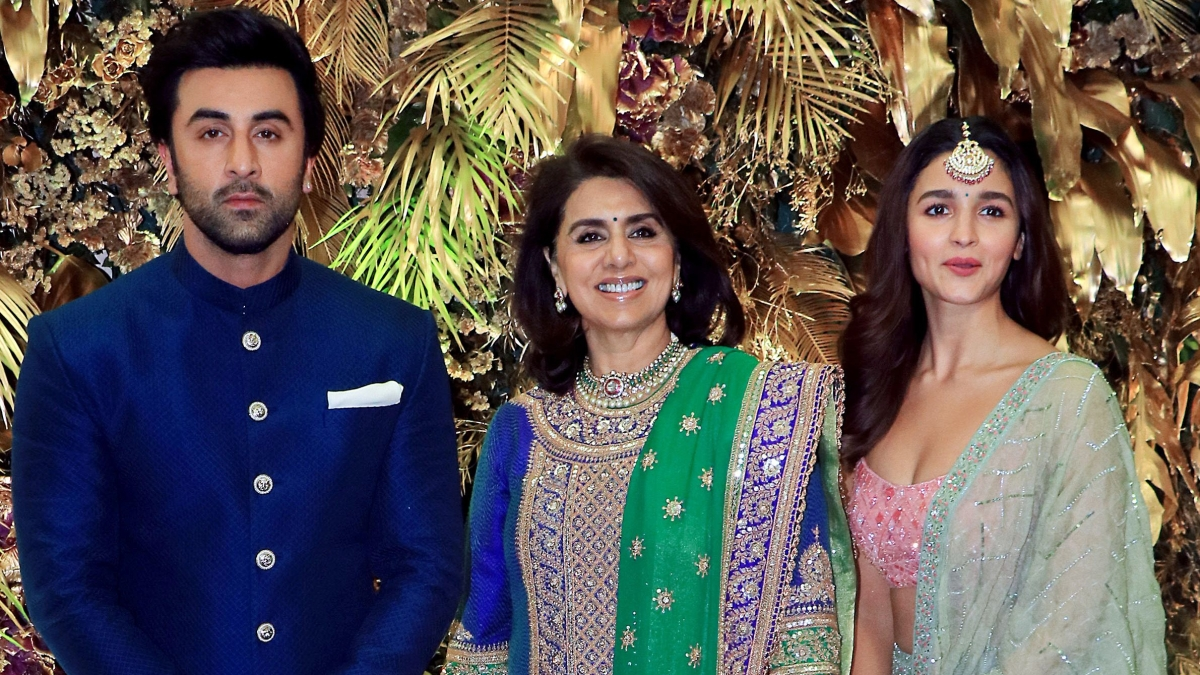 L to R - Ranbir Kapoor, Neetu Kapoor, Alia Bhatt