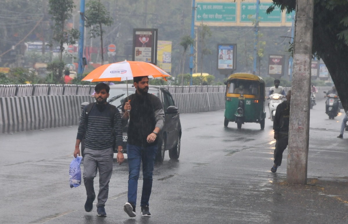 Madhya Pradesh: With freakish weather, health department raises alarm over outbreak of seasonal diseases, says don't confuse with Covid symptoms