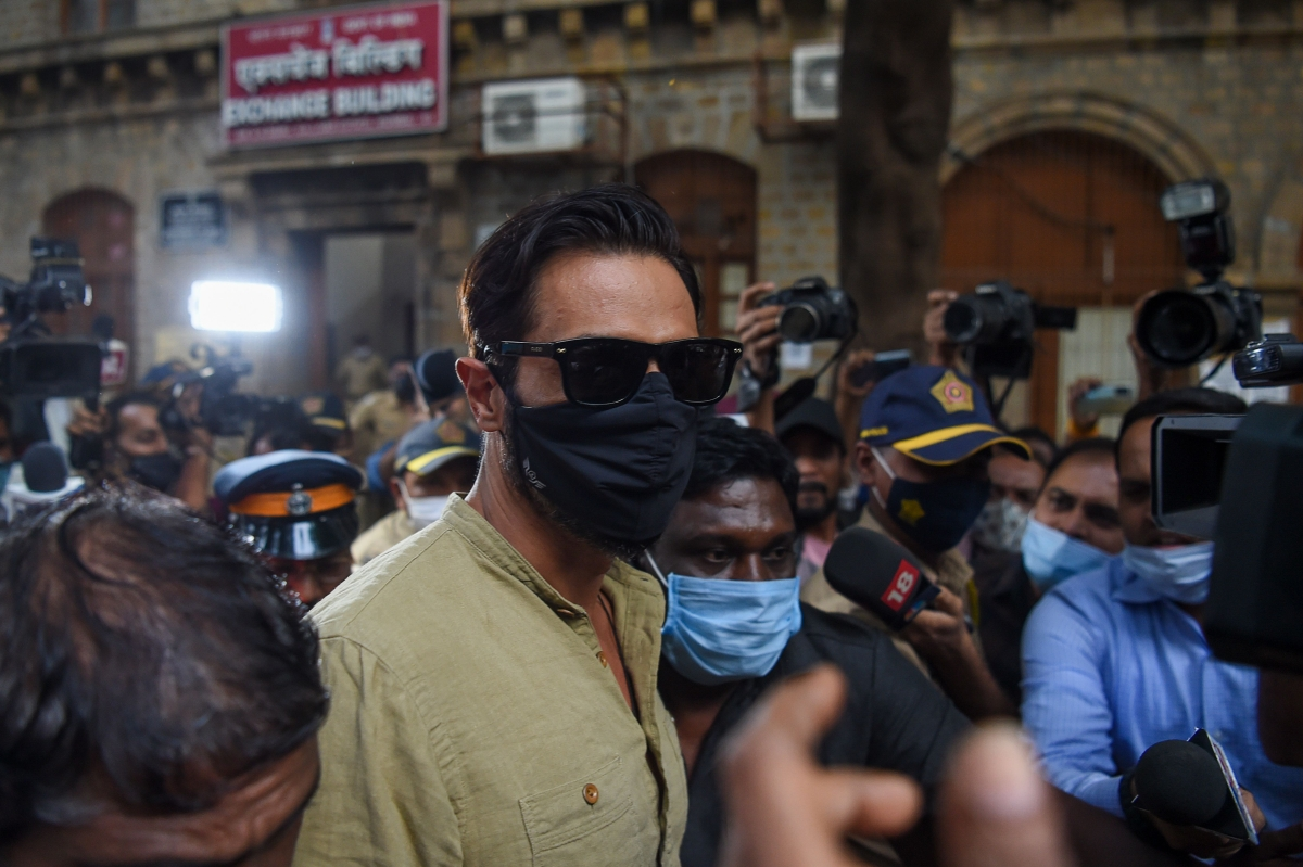 Bollywood actor Arjun Rampal (C) leaves the Narcotics Control Bureau (NCB) office for enquiry in connection of late actor Sushant Singh Rajputs suicide case, in Mumbai on December 21, 2020.