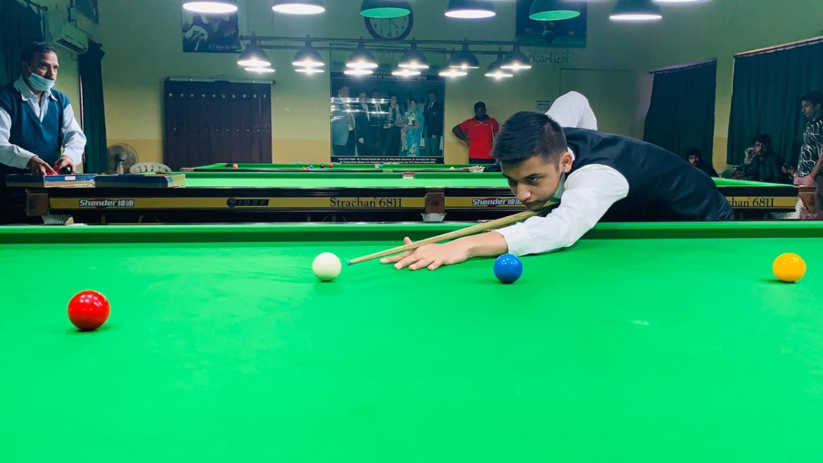 Indore: Youngest player Shreyansh Deshlehra defeats former state winner Harshit Sharma in 34th MP state snooker championship