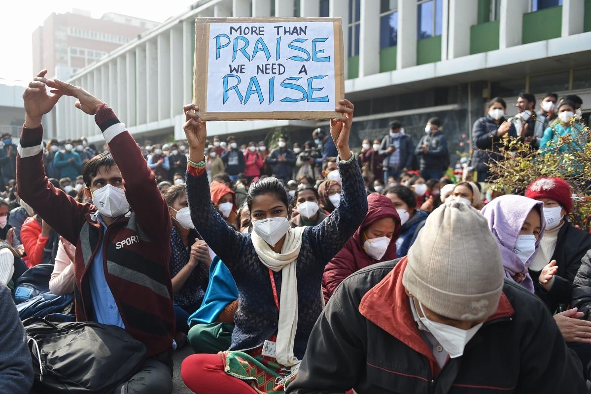 Nurses working with Delhi govt hospitals join AIIMS Nurses Union's strike