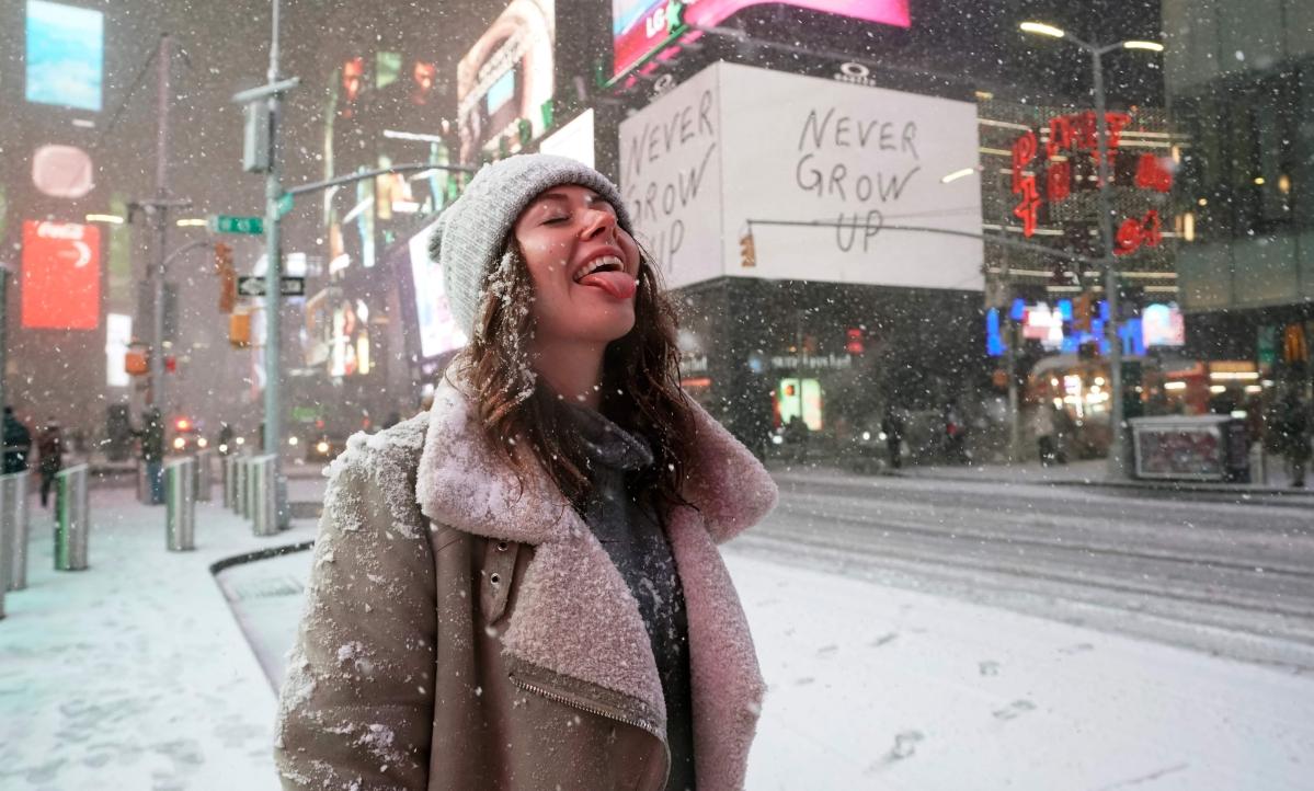 Major snowstorm Gail blankets America