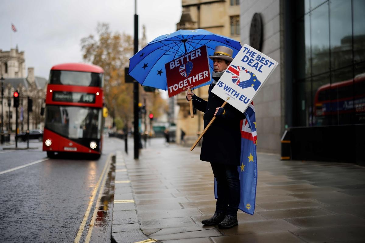UK, EU Brexit talks face a crunch point