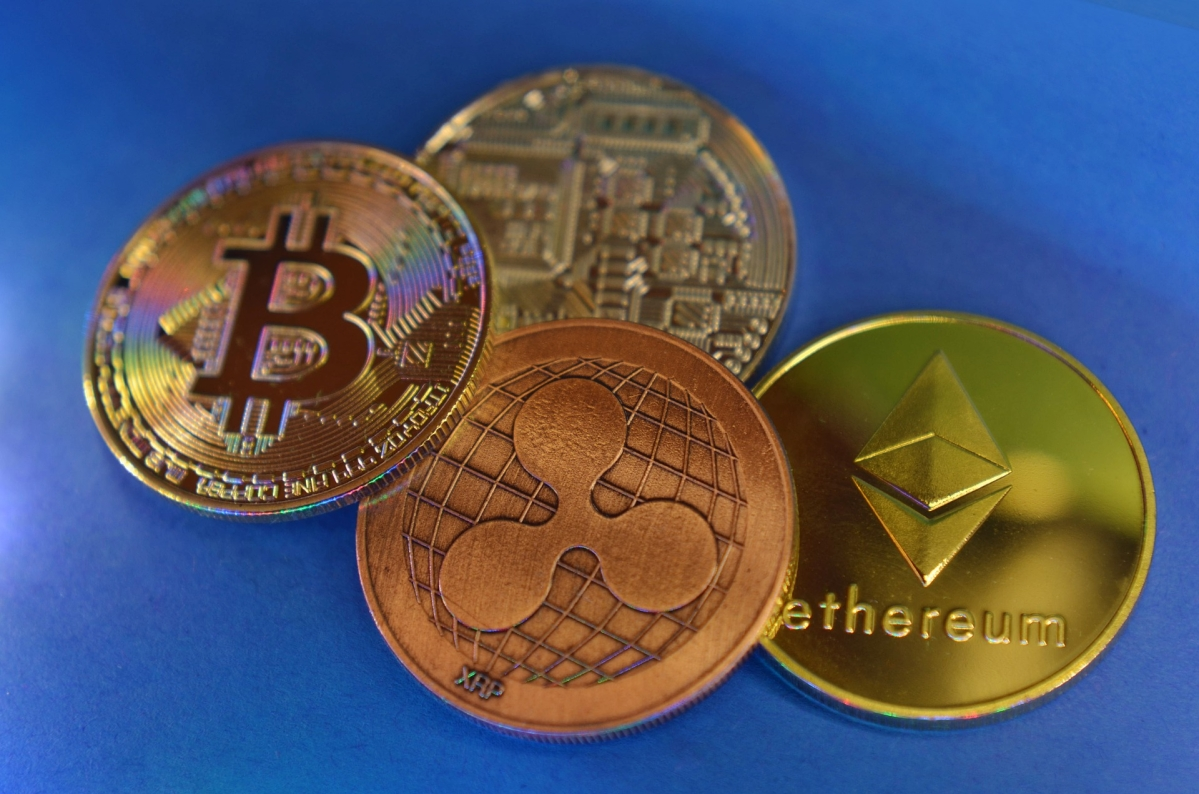 Bitcoin crashes by 12% to $52,149 in less than 24 hours; other cryptocurrencies Ethereum, XRP and Stellar feel the heat