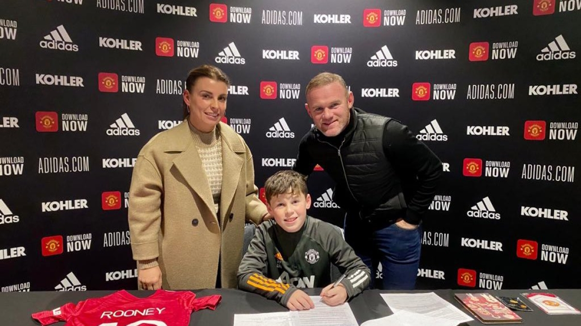 Wayne Rooney's son Kai signs for Manchester United youth academy