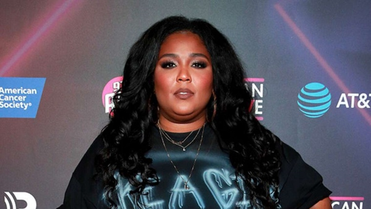 Grammy Award-winning singer Lizzo trying to mend her relationship with food