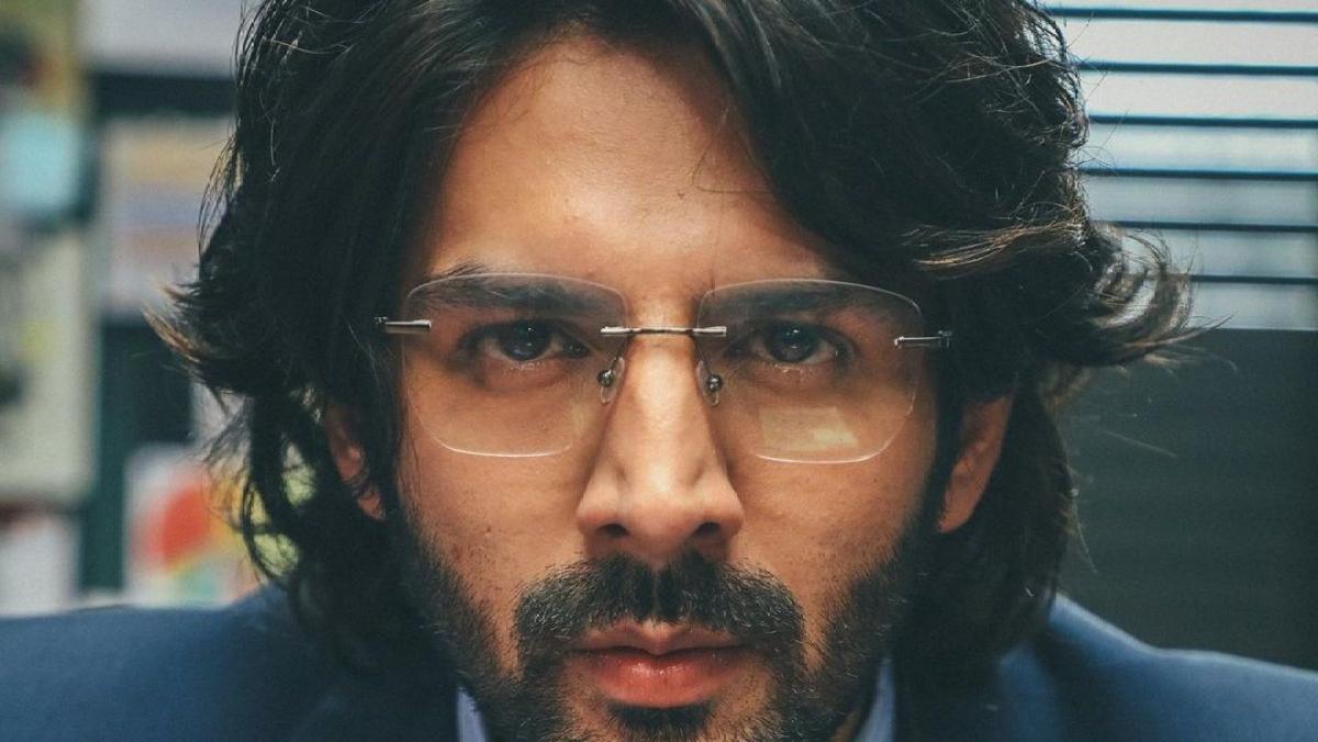Kartik Aaryan introduces his intense look for upcoming film 'Dhamaka'
