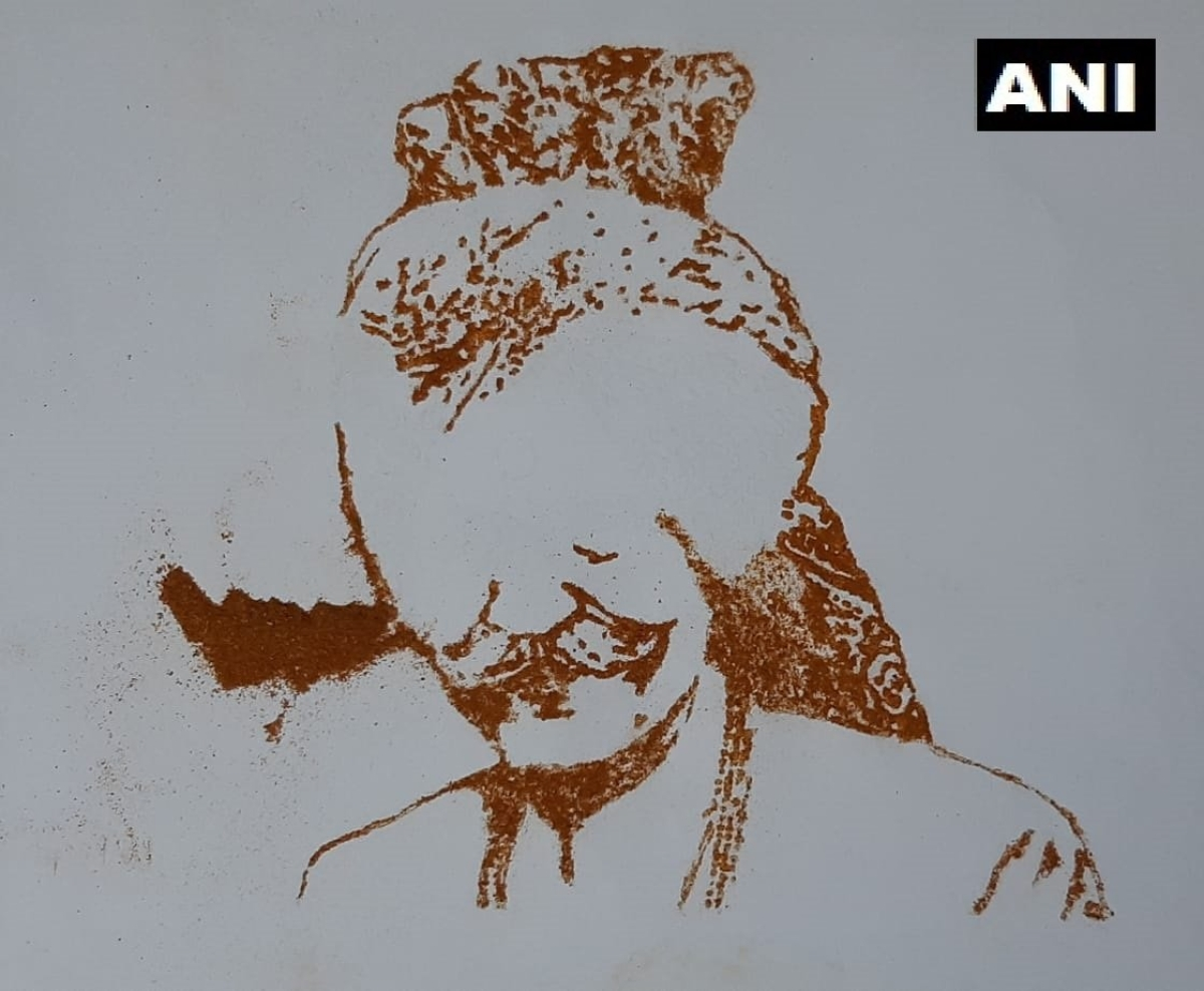 Visual artist Varun Tandon pays tribute to MDH owner Mahashay Dharampal Gulati, makes portrait using spices; see pics