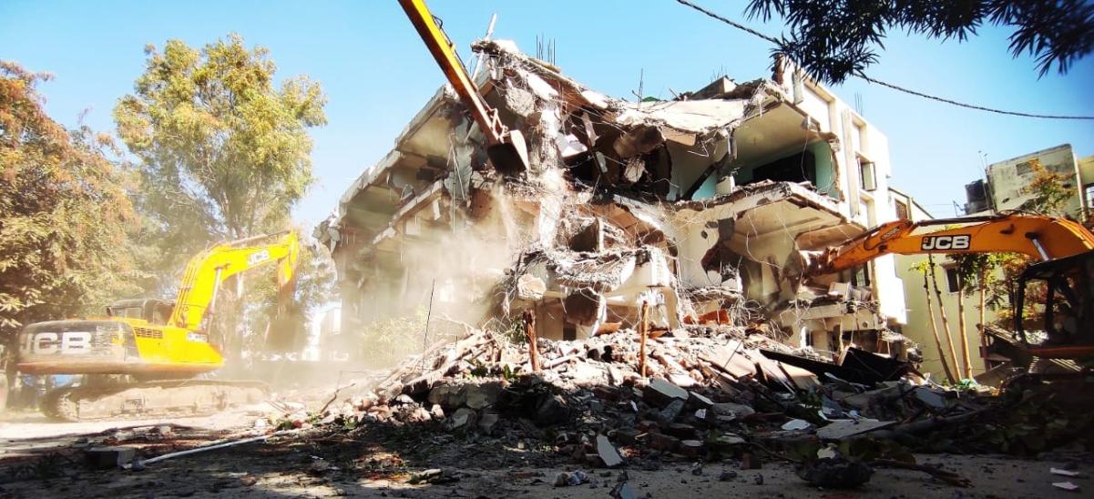 Panvel Municipal Corporation demolishes one of 31 dangerous buildings