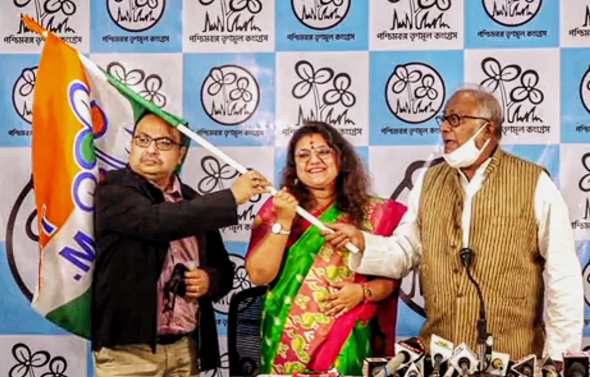 Couple torn asunder by politics: BJP MP Saumitra Khan to divorce his wife Sujata after she joins TMC
