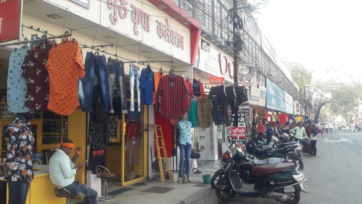 Madhya Pradesh: No Bharat Bandh in Indore as people crowd shops to buy essential goods, other commodities