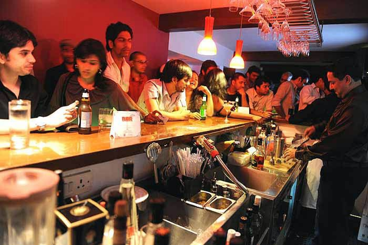 BMC to ensure clubs, restaurants follow COVID-19 norms