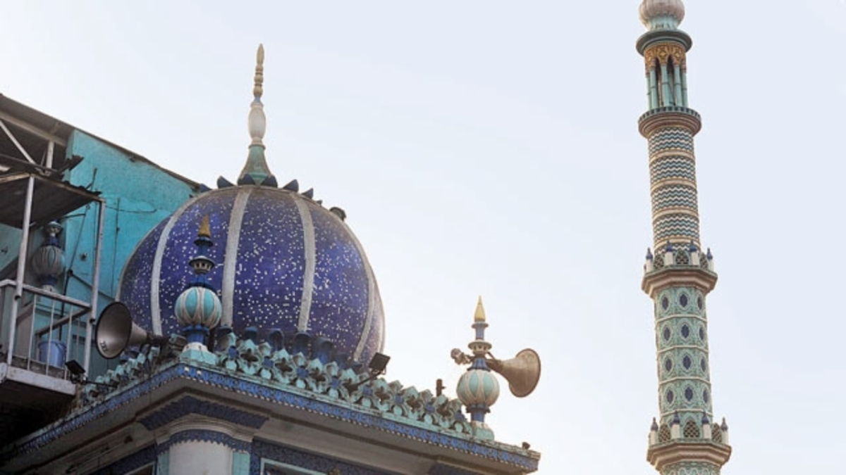 Ban loudspeakers in mosques: Shiv Sena urges Centre to curb 'noise pollution'