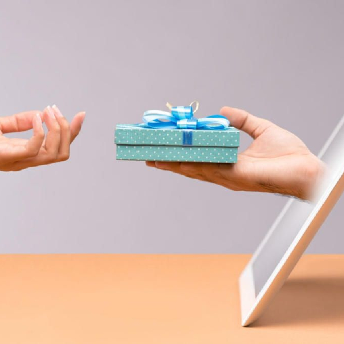 This festive season, delight your loved ones with these digital gifts