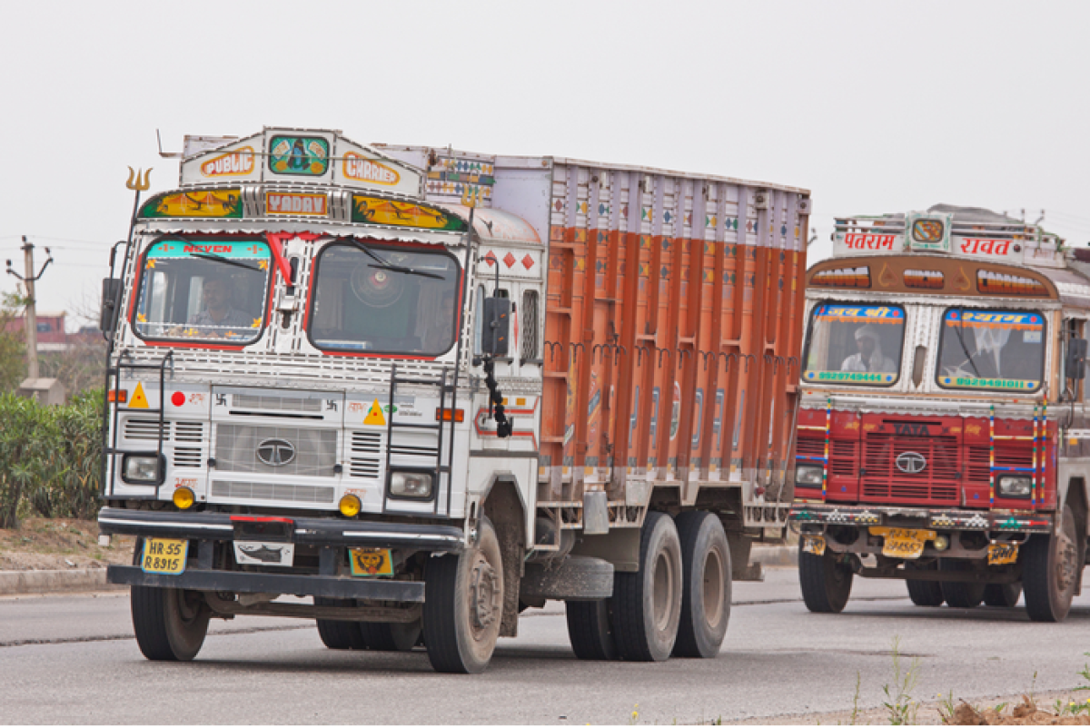 Police to issue e-challans to errant heavy vehicle drivers cutting lanes on Mumbai-Pune Expressway