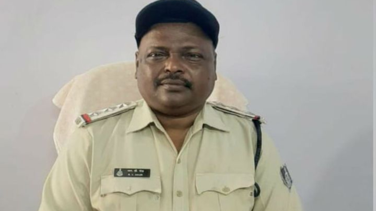 MP: Suwasra police station in-charge RC Gaud dies of COVID-19; cops pay tribute with guard of honour