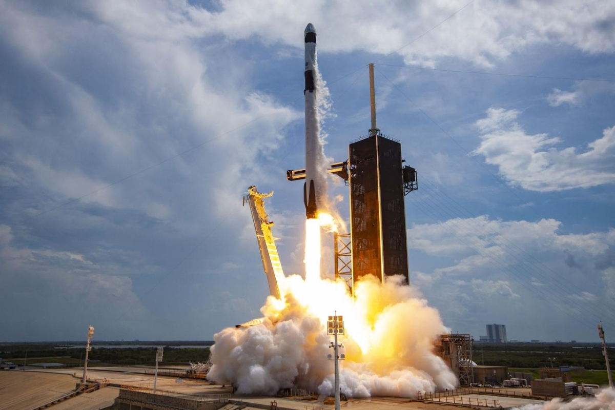 SpaceX ridesharing mission launches record 143 satellites