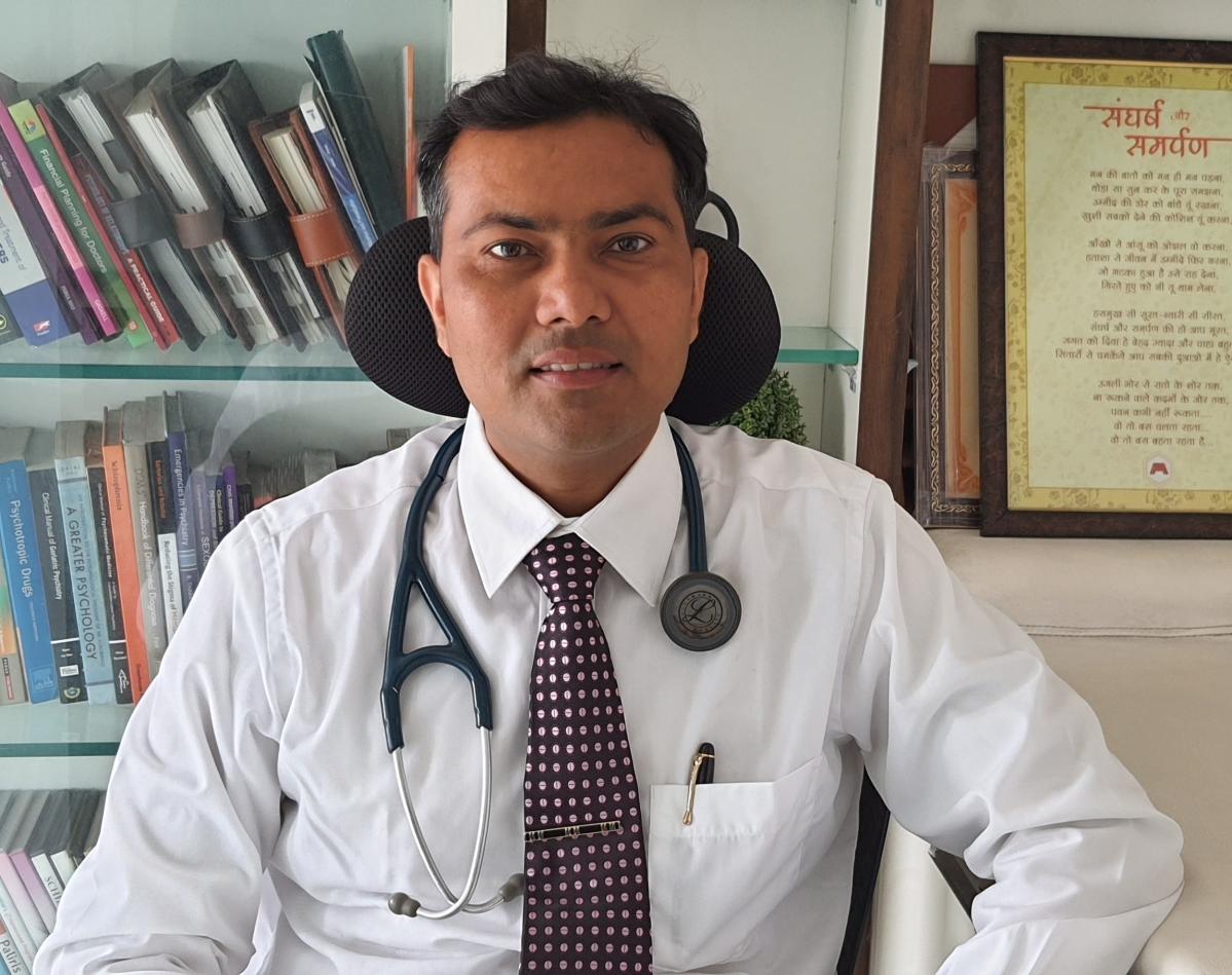 Dr Pawan Rathi