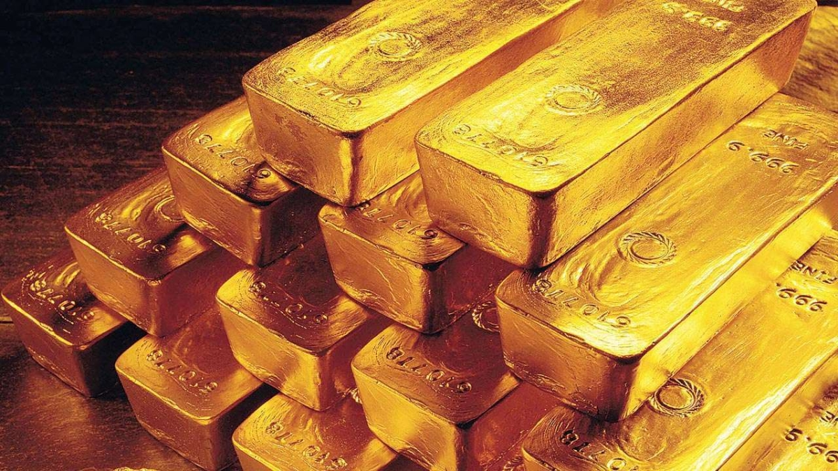 Gold futures dip over 0.5% after days of gains