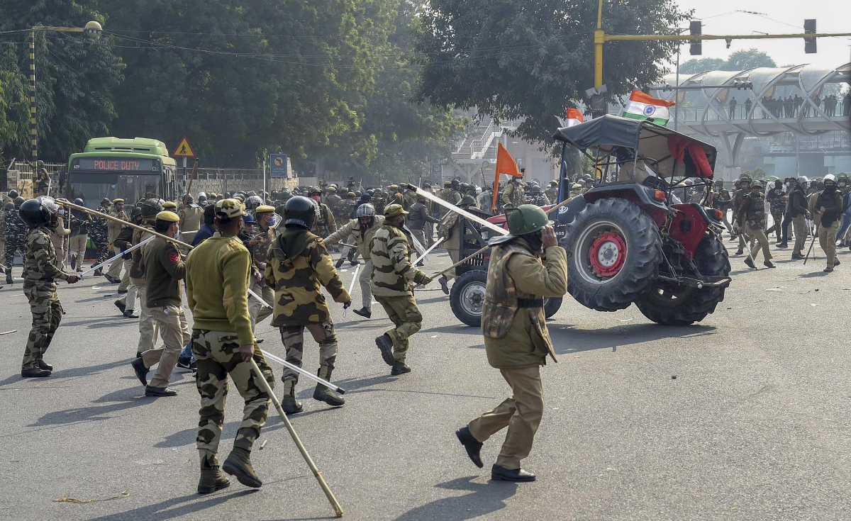 Madhya Pradesh: Barricading, tear gassing incited protestors during R-Day tractor march, says Digvijaya Singh