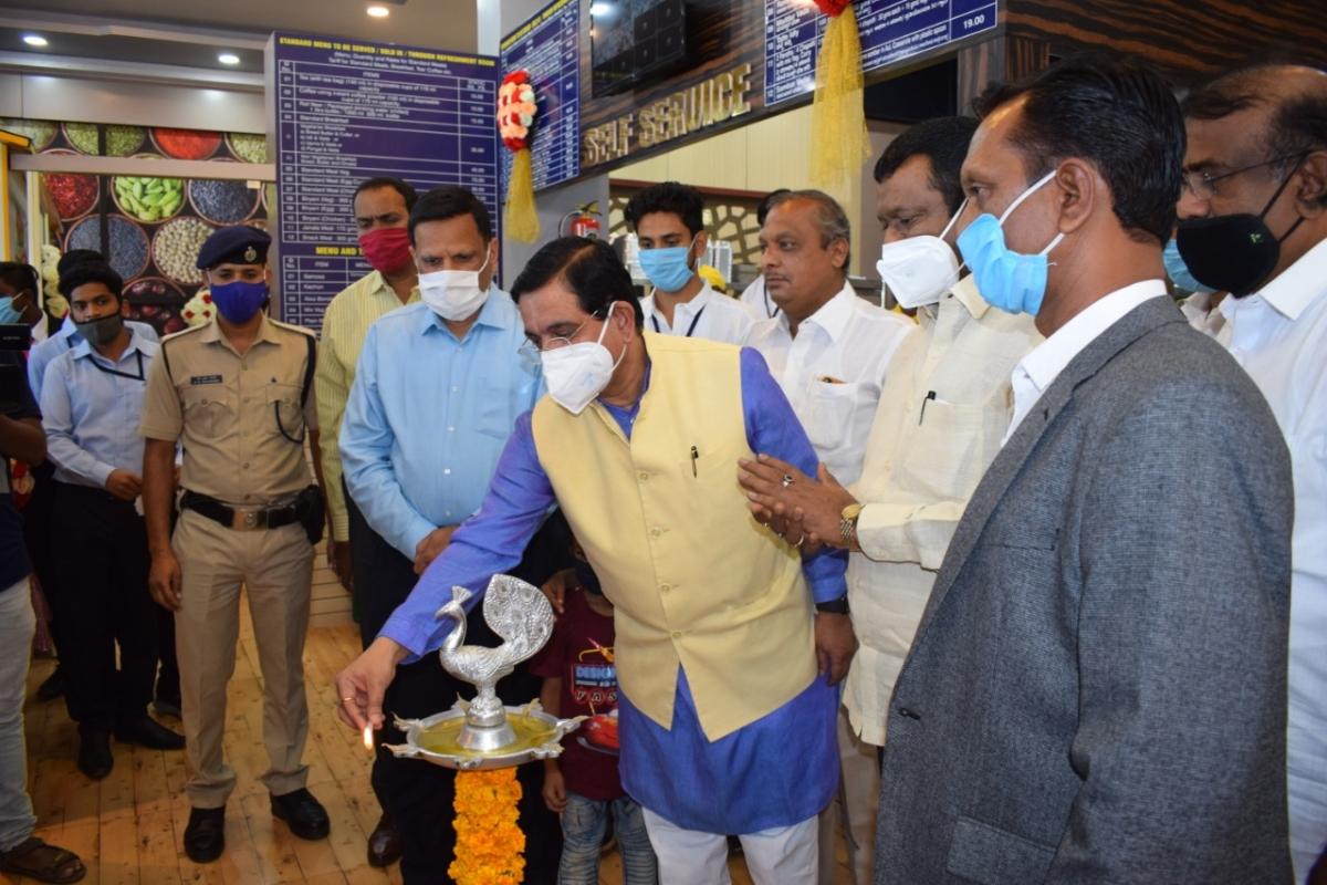 IRCTC refreshment room inaugurated at Siddharoodha Swamiji Hubballi station