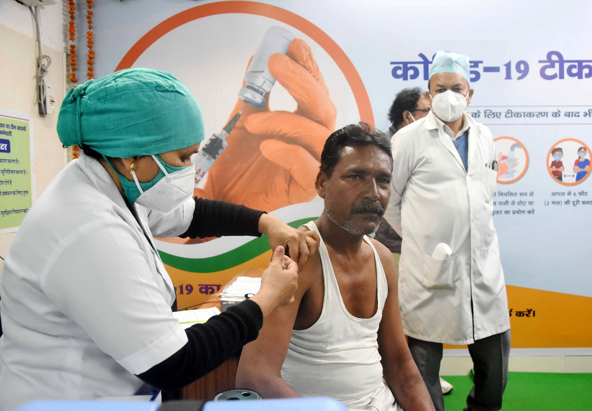 Seers back Covid vaccination drive in Madhya Pradesh