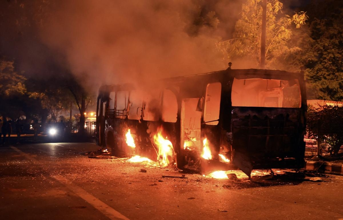 Mumbai crime watch: Driver held for torching five private buses in Borivali