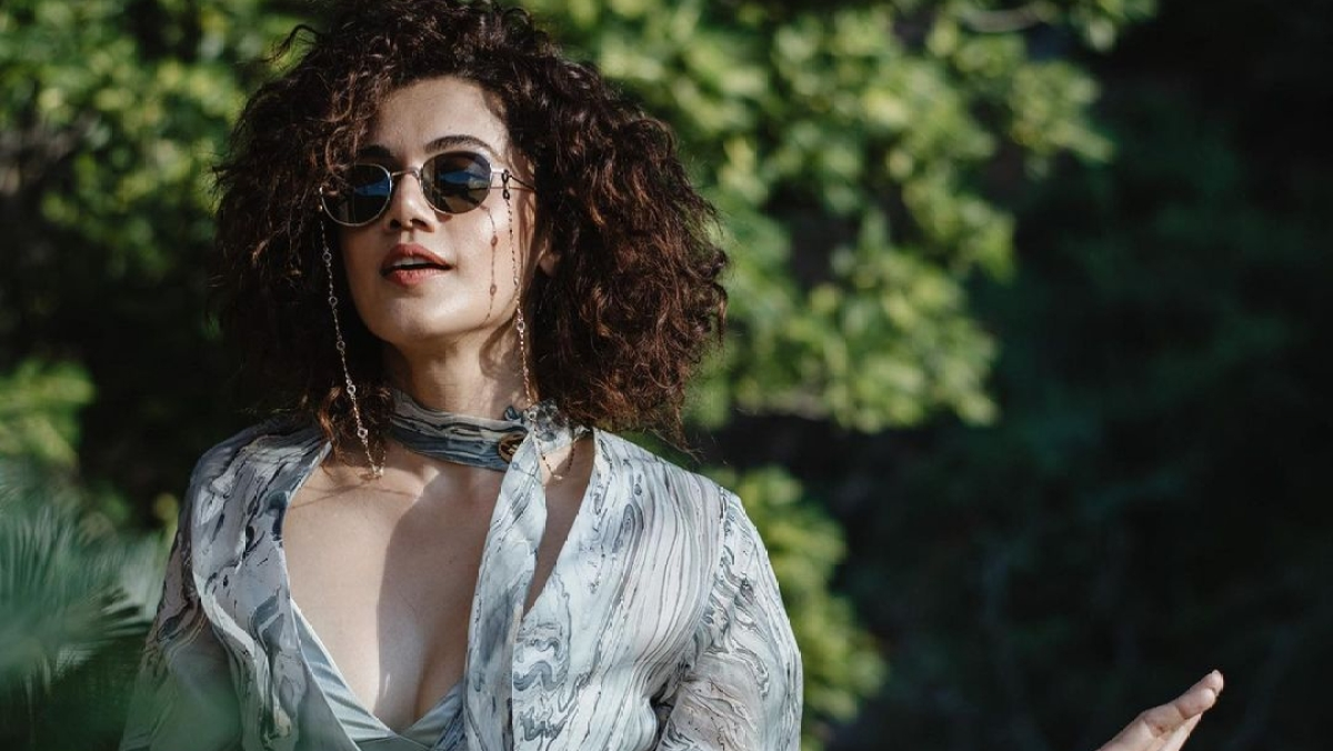 Taapsee Pannu exudes confidence as she flaunts her natural curls in latest Instagram post