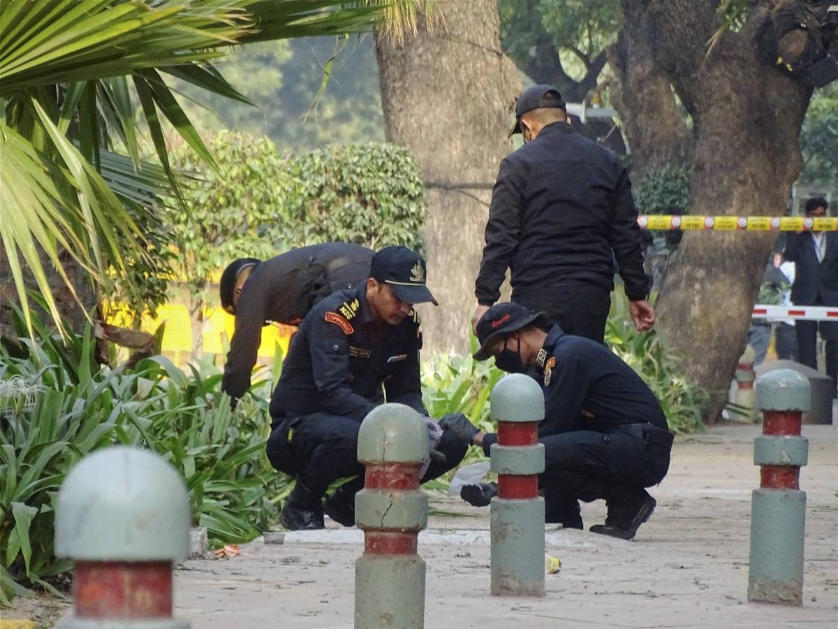 Delhi: NSG roped in to examine explosives used in blast near Israel Embassy