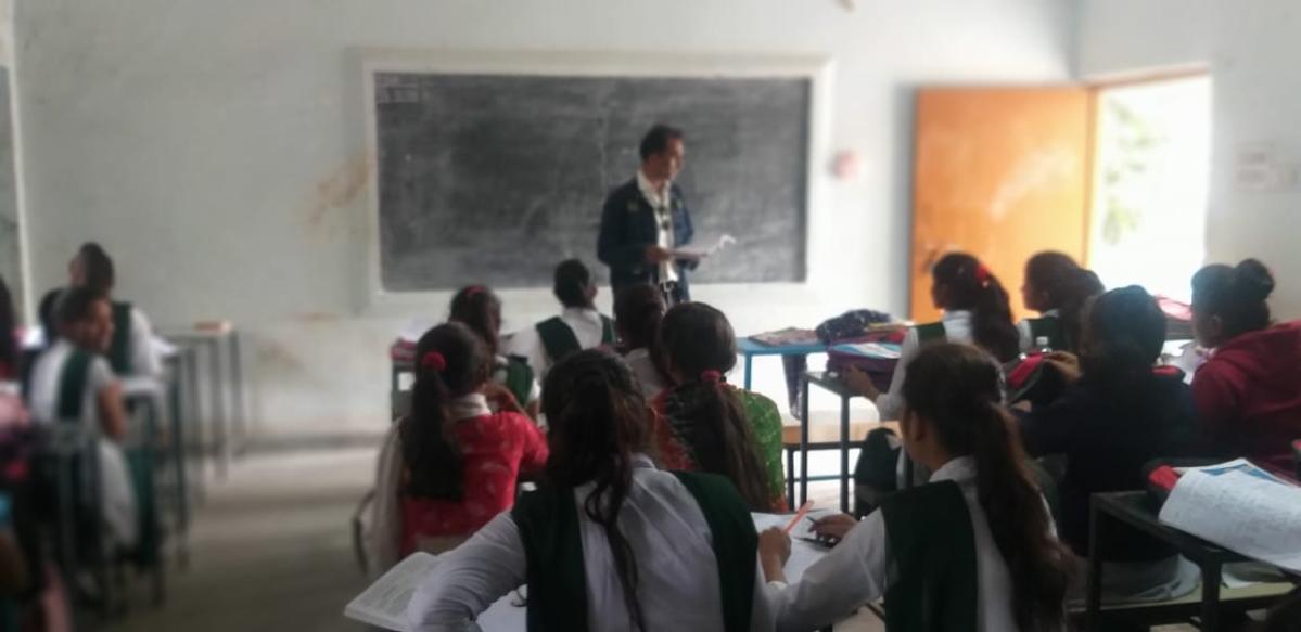 Devendra Kumar Alanse taking Sanskrit class in Kukshi
