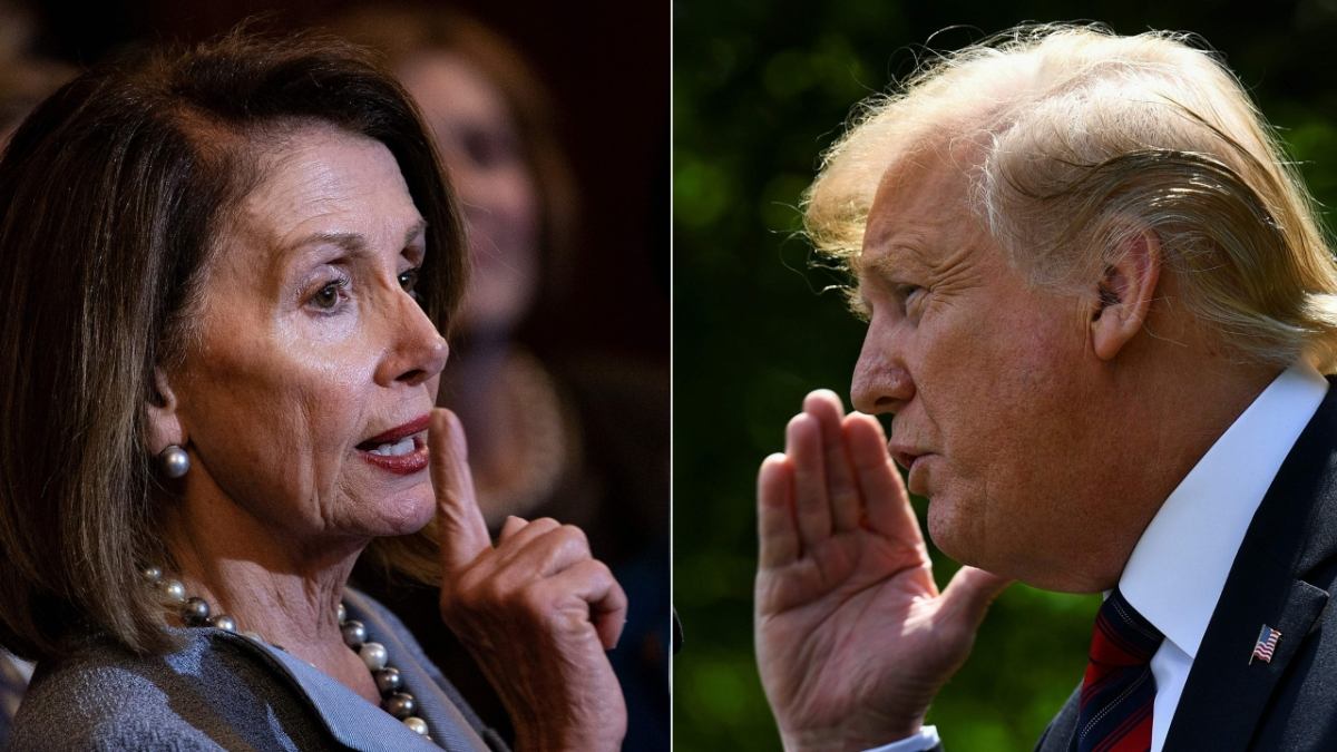 US House Speaker Nancy Pelosi (L) said on Sunday that she was ready to start second impeachment proceedings against President Donald Trump (R) unless he was removed from office within days.