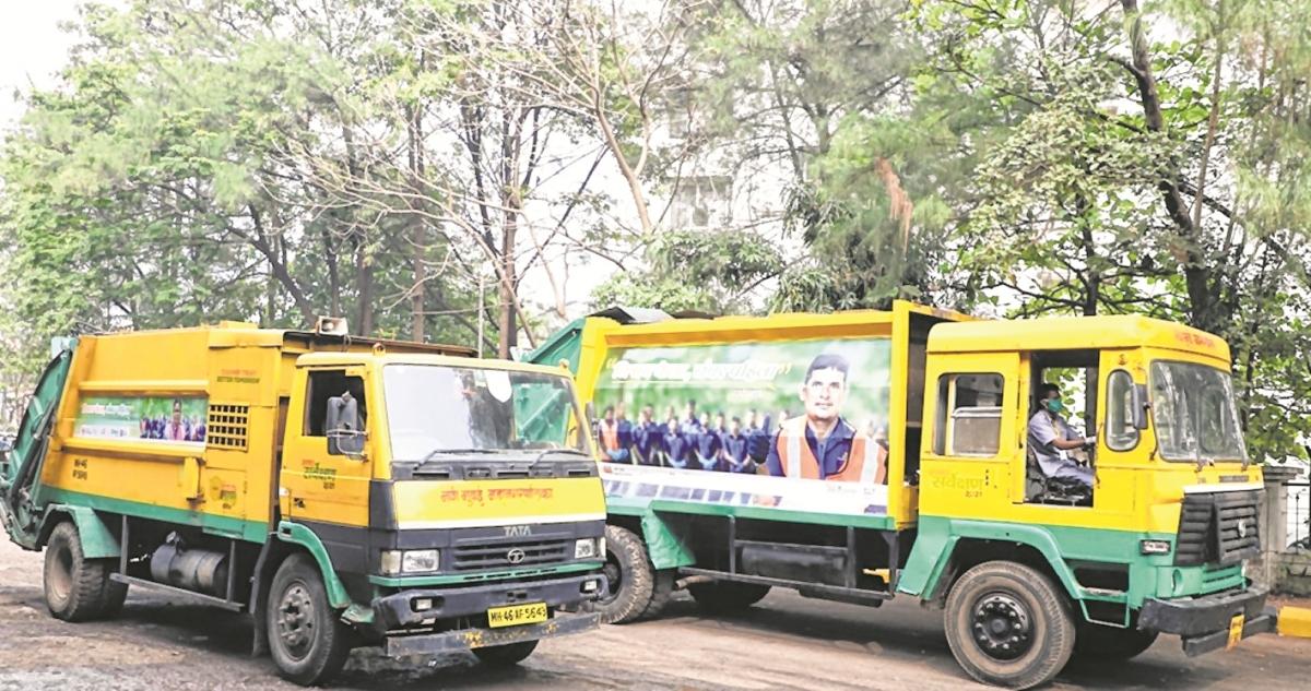 Navi Mumbai Municipal Corporation cleanliness staff make a splash on buses