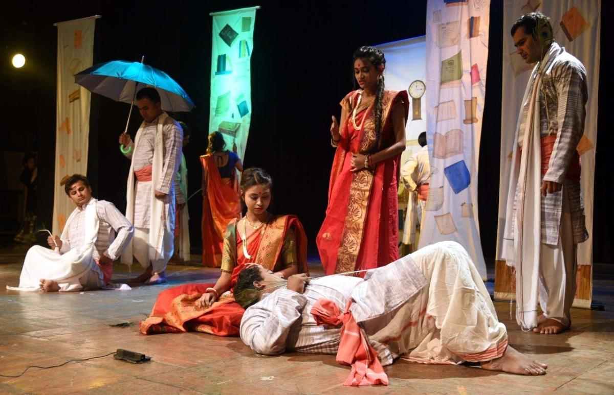Bhopal: Phanishwarnath Renu's play 'Nakbesar' staged at Gamak