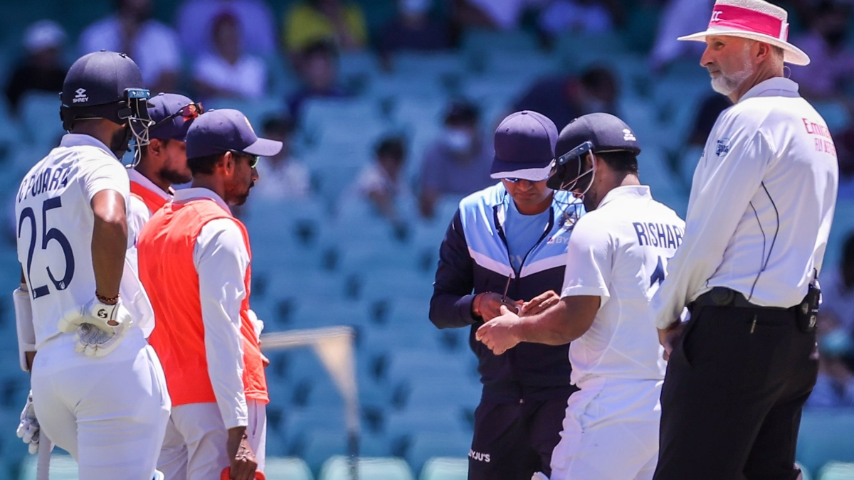 Ind v Aus 4th Test- Injury concern scares India after valiant fightback