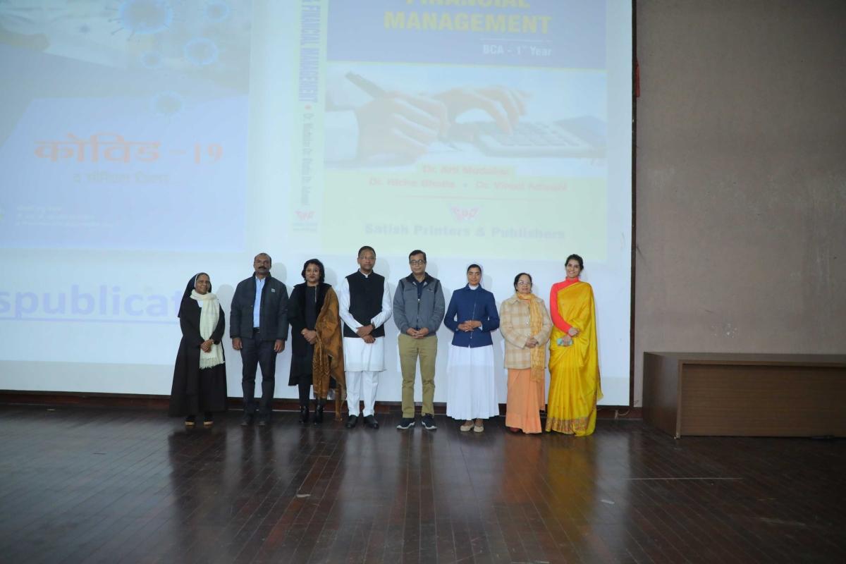 Bhopal School of Social Sciences faculty members