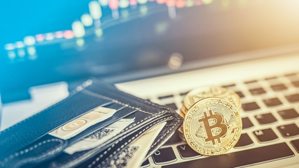 Bitcoin and other cryptocurrencies: To invest or not to invest