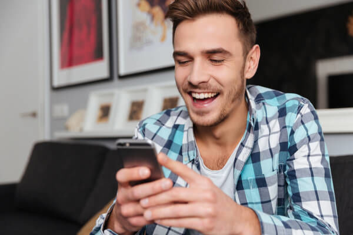 Delivering news with humour makes young adults more likely to remember, share, finds a study